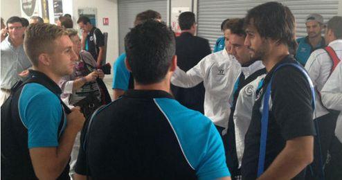 Los jugadores sevillistas a su llegada a Rijeka.