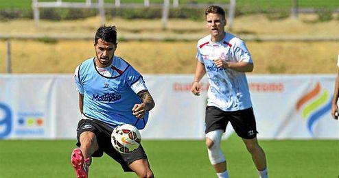 Vitolo durante un entrenamiento.