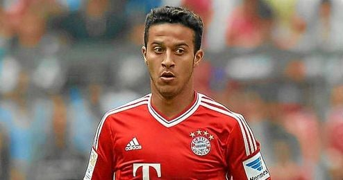 Thiago Alcántara durante un partido con el Bayern Múnich, club al que pertenece desde la pasada campaña.