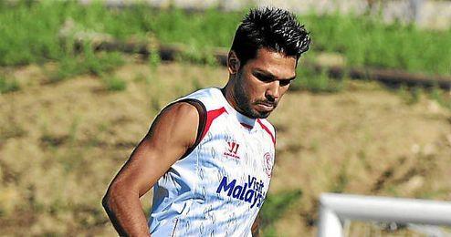 Tremoulinas durante un entrenamiento con el Sevilla.