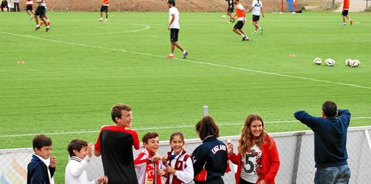 Los más jóvenes pudieron disfrutar del Sevilla en un día de fiesta.