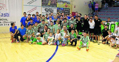 La plantilla del Betis FSN estalló de júbilo a la conclusión de su eliminatoria con el Jaén Paraíso Interior.