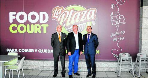 En la imagen, y de izquierda a derecha, Antonio Morillo, Fernando Zamora y Guillermo Arcenegui.