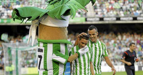Rubén y Kadir celebran junto a Palmerín