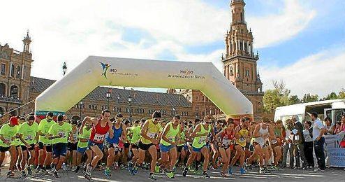 Imagen de la salida de la carrera en el Plaza de España.
