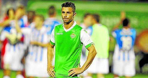 Rubén Castro, desolado tras el encuentro en Leganés, donde apenas le llegaron balones para marcar.