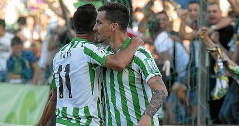 Rennella celebra el primer gol verdiblanco.