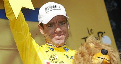 Evans con el maillot amarillo en el Tour de Francia