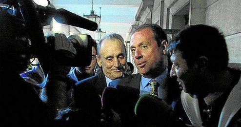 Manuel Ruiz de Lopera a la salida de los juzgados de Sevilla.