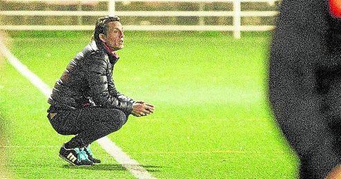 Asensio dejó de ser entrenador de la U.D. Pino Montano este domingo.