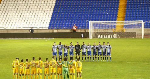 Deportivo y Malaga homenajearon anoche a Jimmy con un emotivo minuto de silencio.