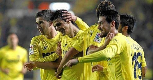 Los jugadores del Alcorcón celebran un gol en el partido ante el Lugo de la presente temporada.