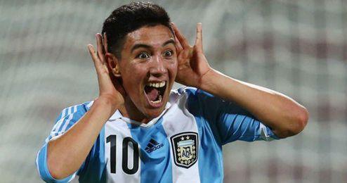 Leo Suárez celebra un gol con la Sub-17 argentina.
