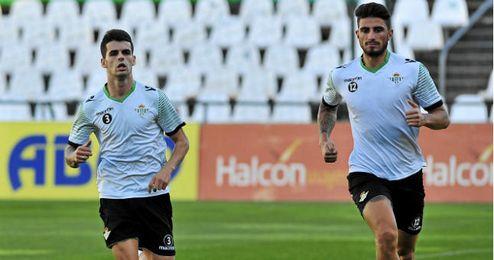 Álex Martínez junto a su compañero Piccini
