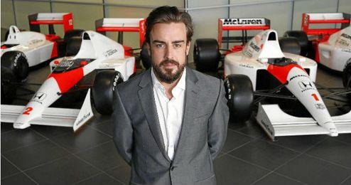 Alonso en la presentación con su nueva escudería.