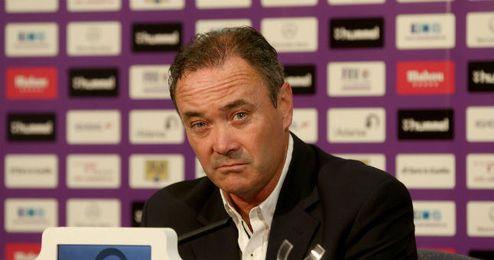 Juan Ignacio Martínez en rueda de prensa en un partido con el Valladolid