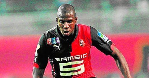 Abdoulaye Doucouré fue titular en el encuentro de ayer entre su equipo y el Stade de Reims.