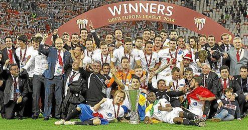 El Sevilla se alzó este año con su tercera Europa League tras vencer al Benfica.