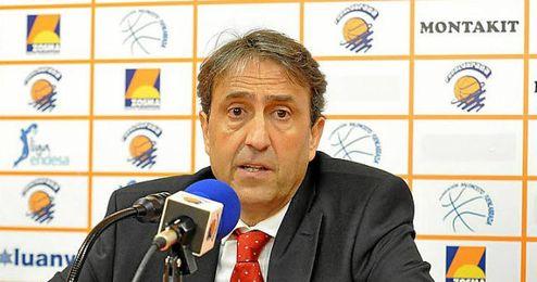 Luis Casimiro en su etapa como técnico del Montakit Fuenlabrada.