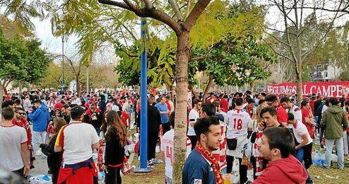 Imagen de la afición sevillista en Villarreal.