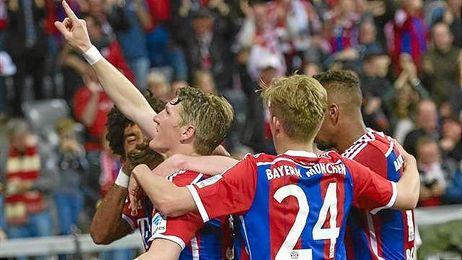 Los jugadores, celebrando el triunfo.