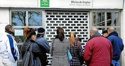 Baja el paro en andaluc a en personas estadio for Oficina de empleo andalucia