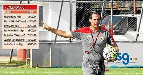 Unai Emery tendrá que hacer uso de su ´fondo de armario´ para que su equipo pueda afrontar 23 días con siete compromisos oficiales.