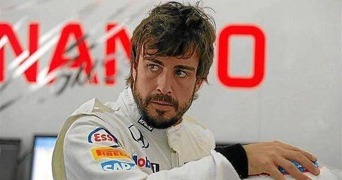 Fernanda Alonso, en el 'box' de McLaren.