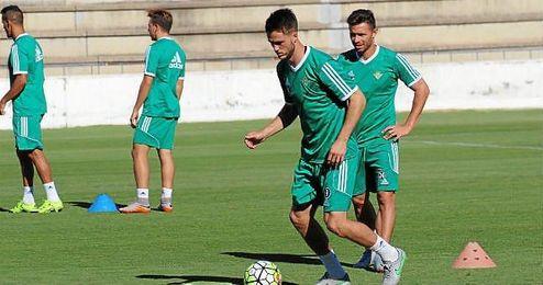 Rubén Castro y Van Wolfswinkel, junto en un entrenamiento.