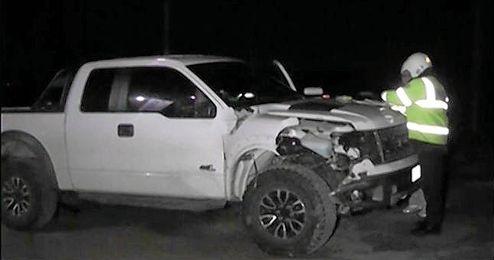 Imagen de la camioneta conducida por Cavani tras el siniestro.