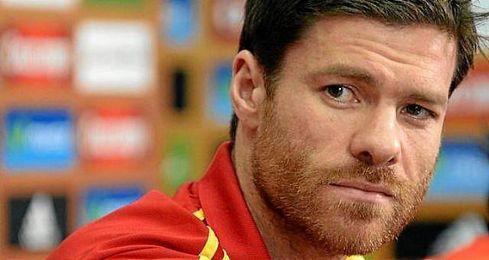 El ex del Real Madrid habr�a sido denunciado por la Agencia Tributaria en la Fiscal�a de Madrid por ingresos no declarados.