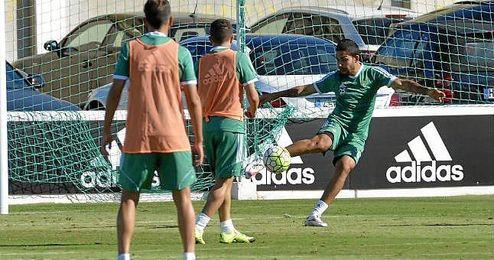 El brasileño Petros vuelve a una convocatoria tras perderse el partido ante el Valencia.