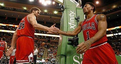 Rose sufrió un codazo en la cara durante el entrenamiento de los Bulls.