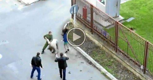 (Vídeo) Un soldado interviene, sin querer, en un rodaje