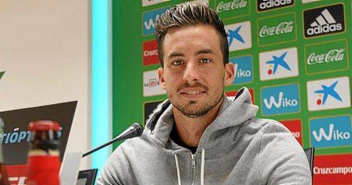 Enzo Rennella en rueda de prensa.