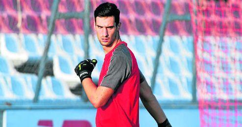 Sergio Rico tiene contrato hasta junio de 2017 y aún no le han llamado para renovar.