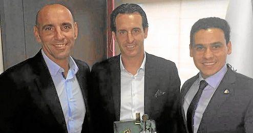 Emery recogi� el lunes un premio en Madrid.