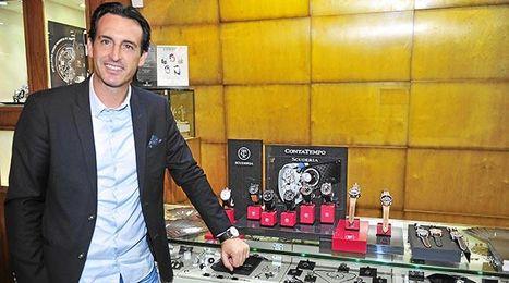 Emery asistió a la presentación de una marca de relojes.