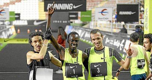 El atleta Jesús España, a la izquierda de la foto.