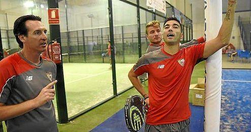 Reyes, junto a Emery durante la sesión ´invisible´.