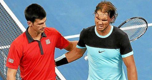 Djokovic y Nadal, tras finalizar el partido.