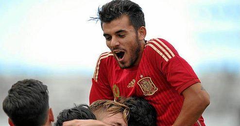 Ceballos celebra el 1-0 obra de �liver Torres.