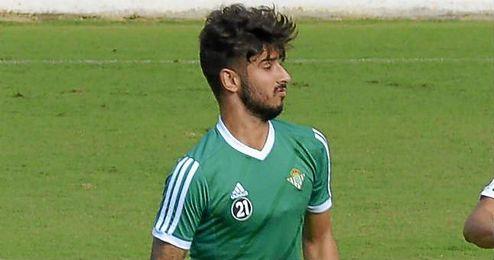 """Sánchez explica que Vadillo tiene """"unas posibilidades inmensas si alguien le pone a jugar""""."""