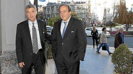 Platini, junto a Villar, en una imagen de archivo.