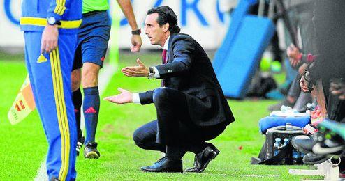 Emery, ante el Eibar.