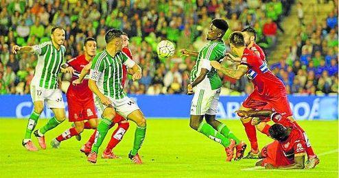 Ante el Espanyol, los verdiblancos dominaron la posesión del esférico, algo que, para su desgracia, no se tradujo en una ventaja en el marcador.