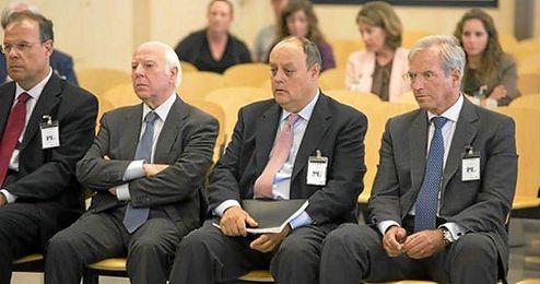 Los condenados de Novacaixagalicia en el banquillo de los acusados.