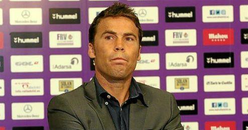 Rub� en una rueda de prensa con el Real Valladolid.