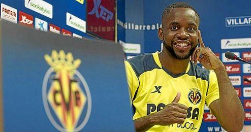 """Bakambu, delantero del Villarreal, solo piensa """"en el Sevilla""""."""
