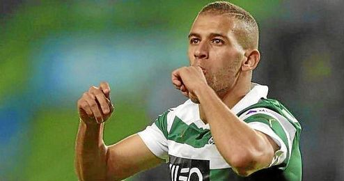 Slimani celebra un gol con el Sporting.